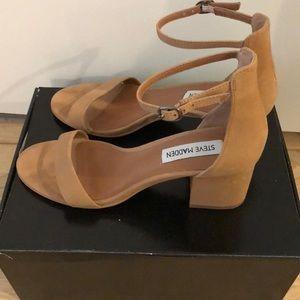 Steve Madden Shoes - Nude Steve Madden Irenee block heel. Like new!